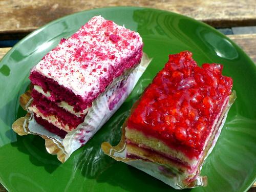 Kanniston leipomon leivokset: Red Velvet ja jokin toinen