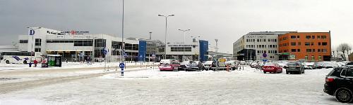 Tallinnan sataman D-terminaali ja City Hotel Portus