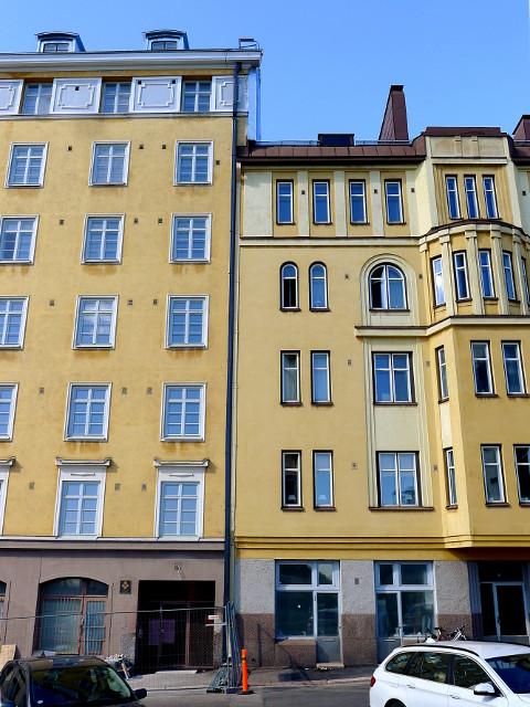 Hernesaarenkatu: talot 17 ja 15