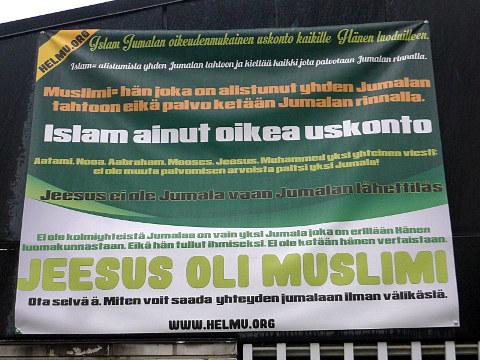 Roihuvuoren moskeijan Jeesus-banderolli