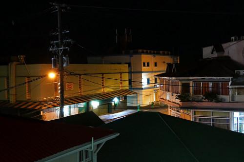 Roseaun keskusta yöllä