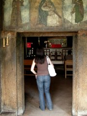 Kirkon sisäänkäynti Jerevanissa