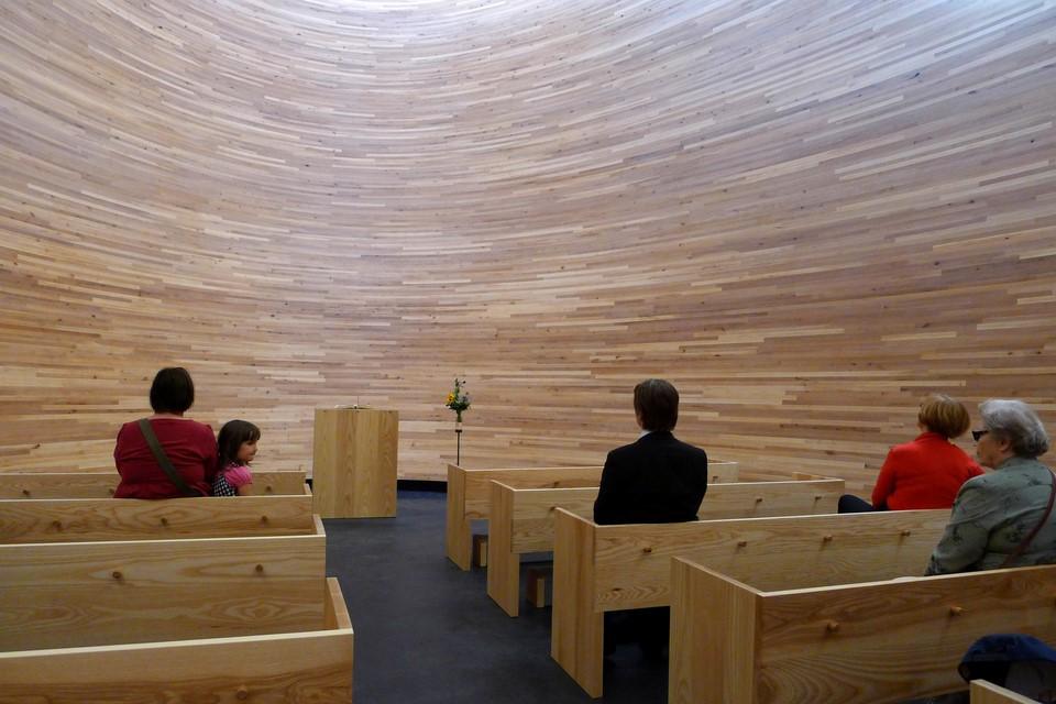 People inside the Kamppi Chapel