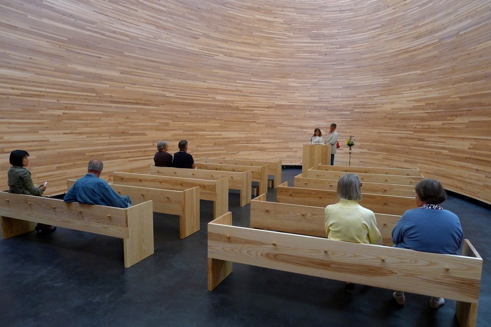 More people in the Kamppi Chapel