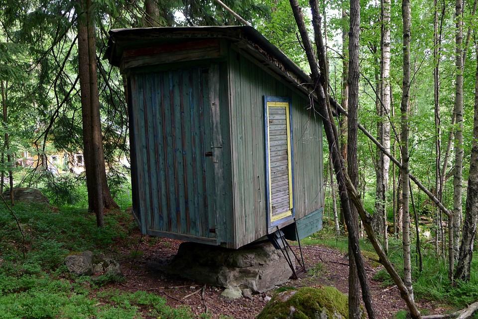 Le sauna sur un rocher (on peut le tourner vers le soleil