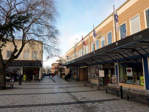 Rinkeby Torg est une place ouverte dans le centre commercial de Rinkeby