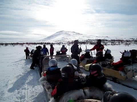 Kilpissafarit järjesti kuljetuksen Kilpisjärveltä Raittijärvelle