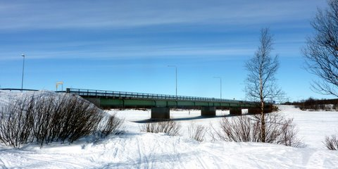 Border bridge across the Muonio River