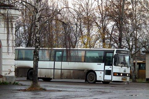 Un Scania 112 blanc à Novaïa Ladoga