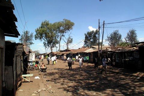 Karanja Road on Kiberan siistimpää ja kehittyneempää osaa