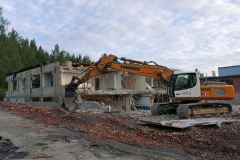Liebherr excavator of Sora ja Betoni V. Suutarinen Ky