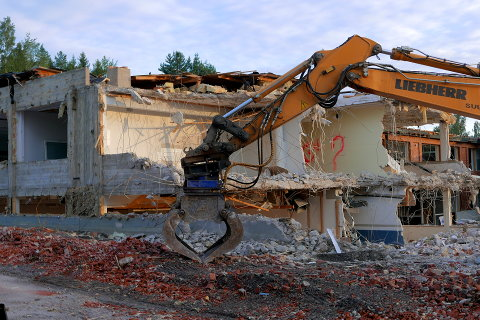 Rantakylän koulua puretaan Mikkelissä