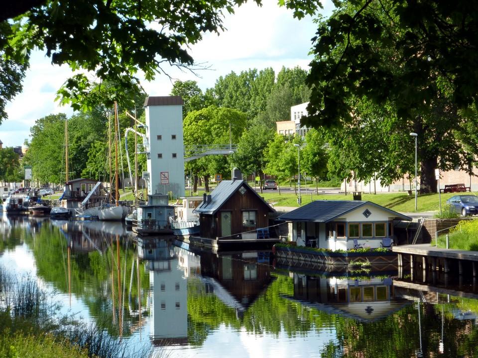 Houseboats / Kelluvia taloja