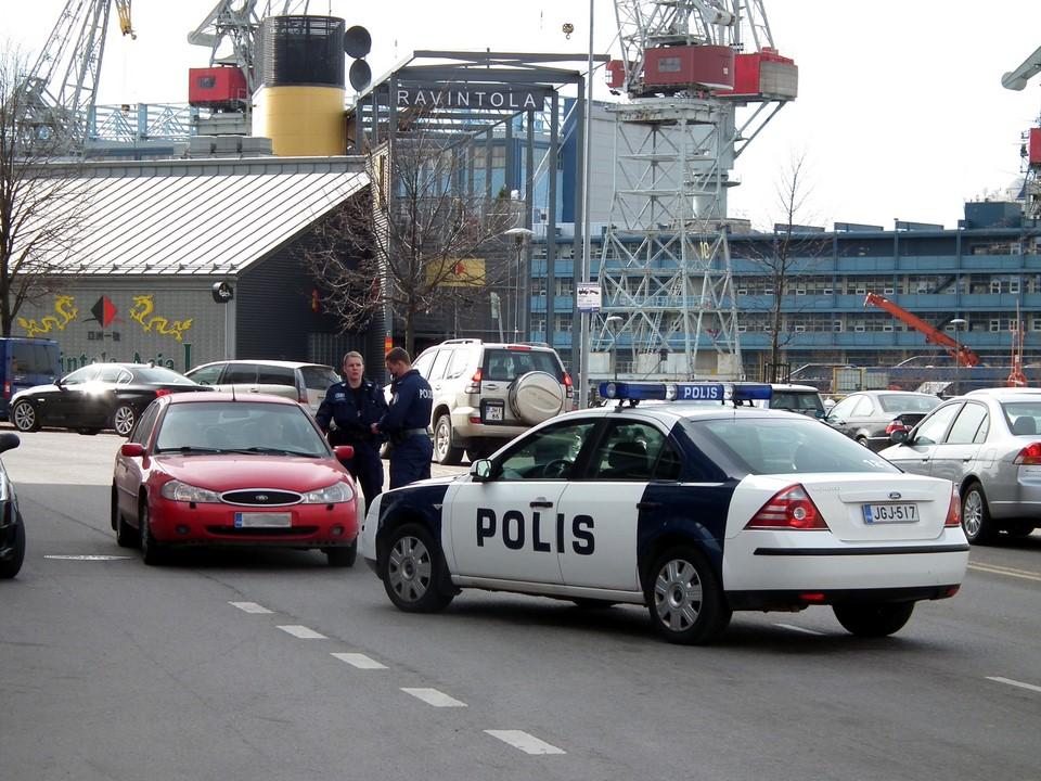 Poliisi pysäytti auton, Helsinki
