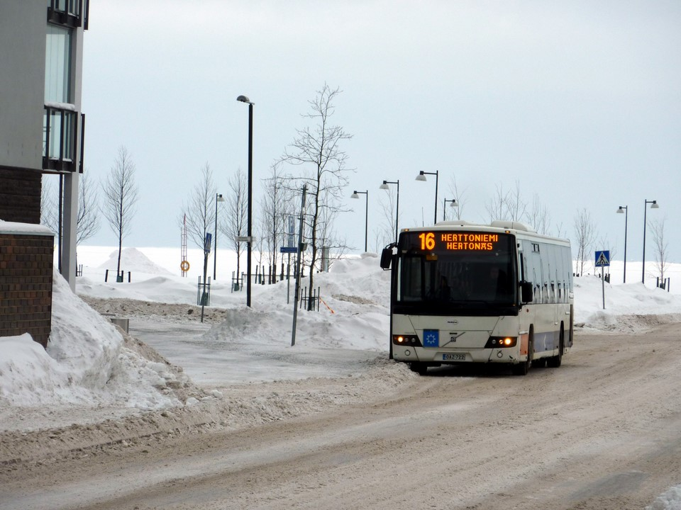 Bussi 16 / Local bus 16, Helsinki