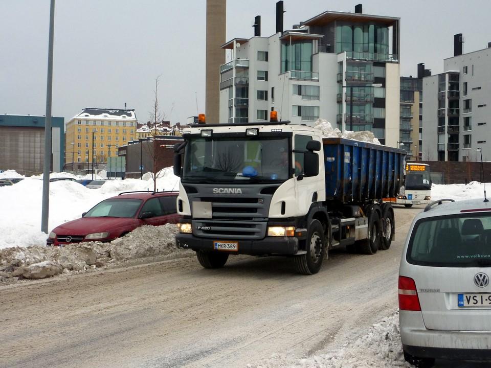 Lumenajoa / Snow lorry, Helsinki