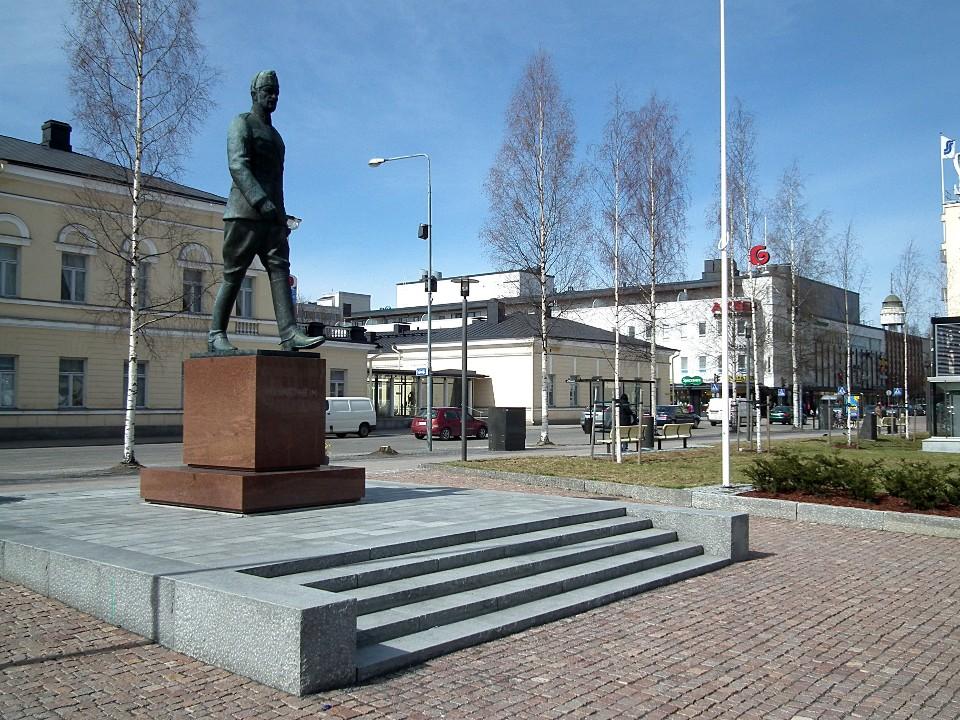 Mannerheimin patsas / Mannerheim statue, Mikkeli