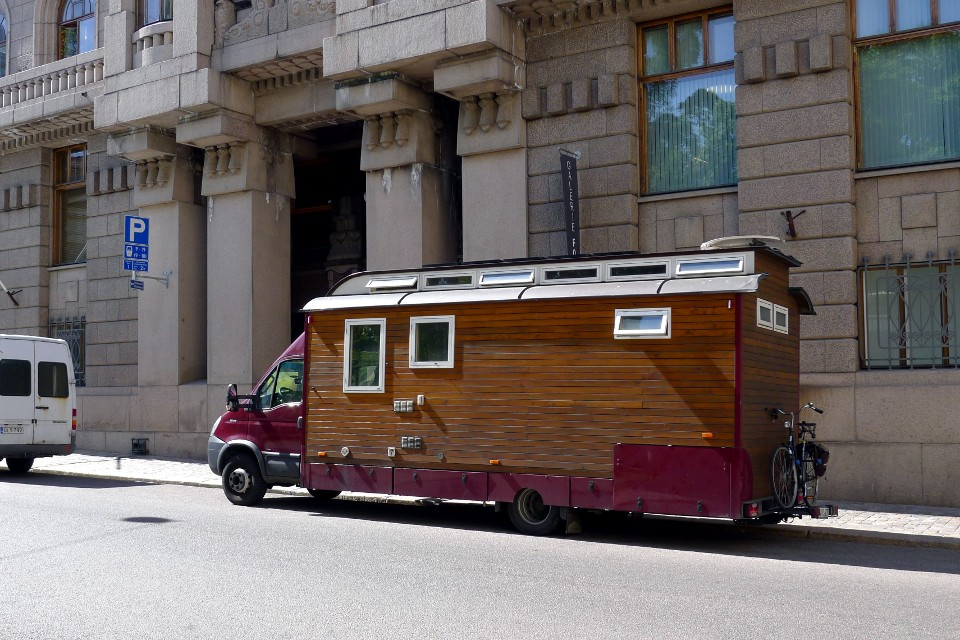 Puinen asuntoauto / Wooden recreational vehicle