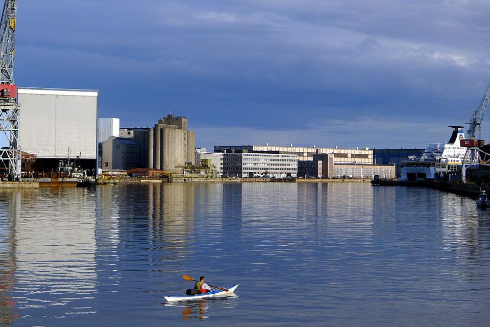 Urbaania melontaa / Urban kayaking