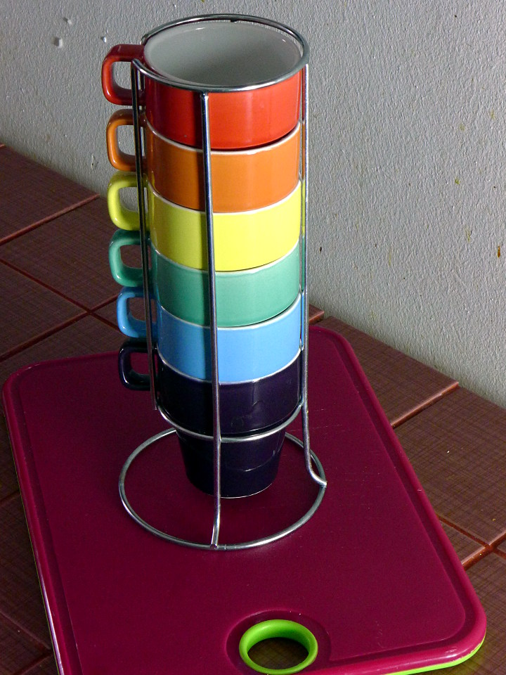Värikkäitä kahvikuppeja / Colourful coffee cups