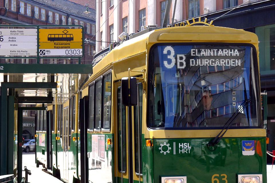 Raitiovaunu / Tramway 3B to Eläintarha (Helsinki)
