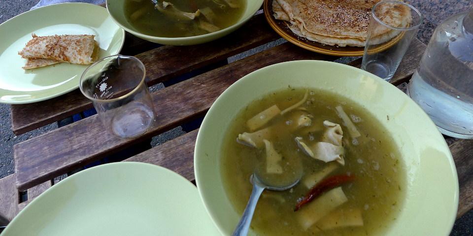 Mustekalakeittoa / Calamari soup