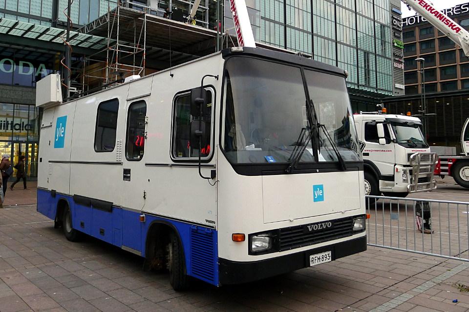 Ylen kuvausauto / Yle broadcast truck
