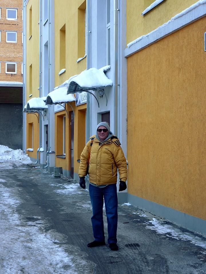 Une maison jaune et Rauno