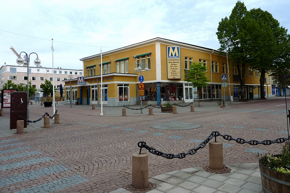 M Magazin shopping centre