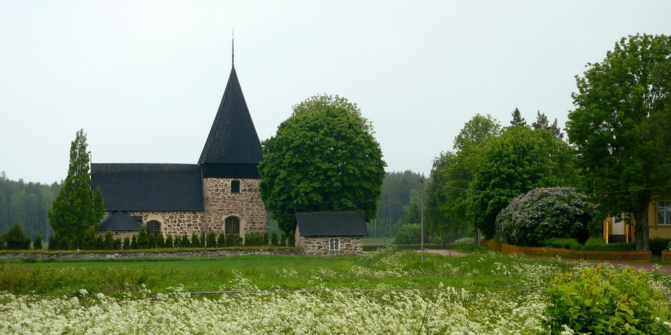 Eckerö Church and grave field