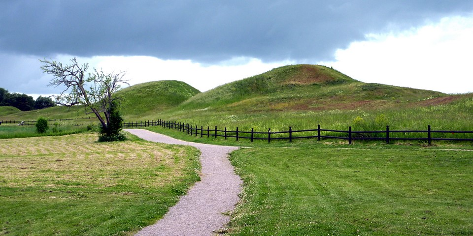 Royal mounds