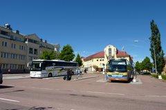 Linja-autoasema ja sen ympäristö