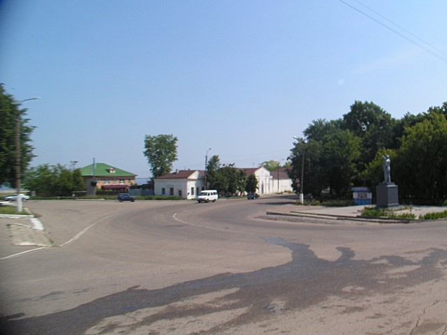 Crossroads and a statue