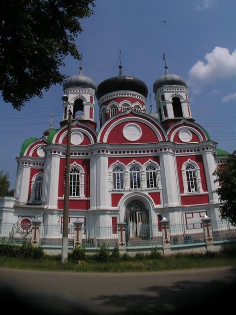 Toinen kuva kirkosta