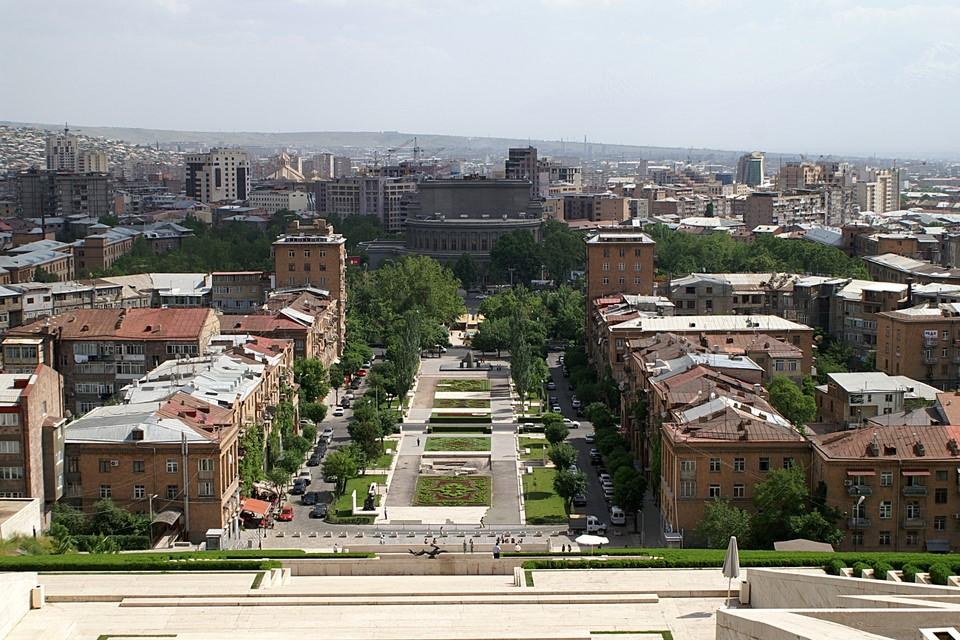 Cascade Park and Yerevan Opera Theatre