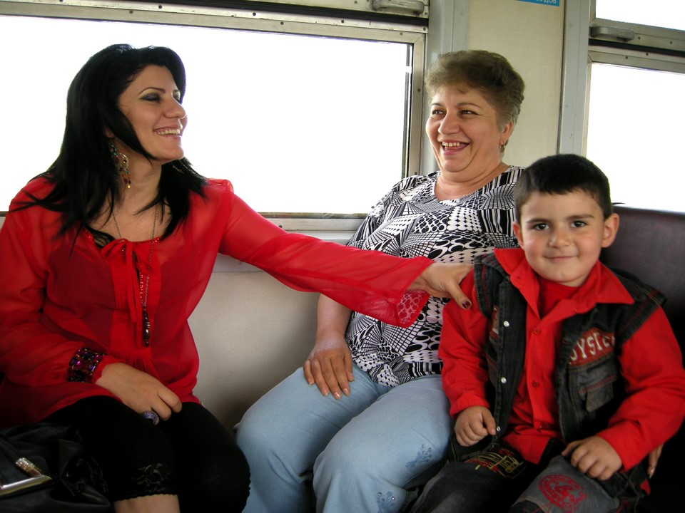 These fellow passengers from Metsamor wanted to pose for a photograph