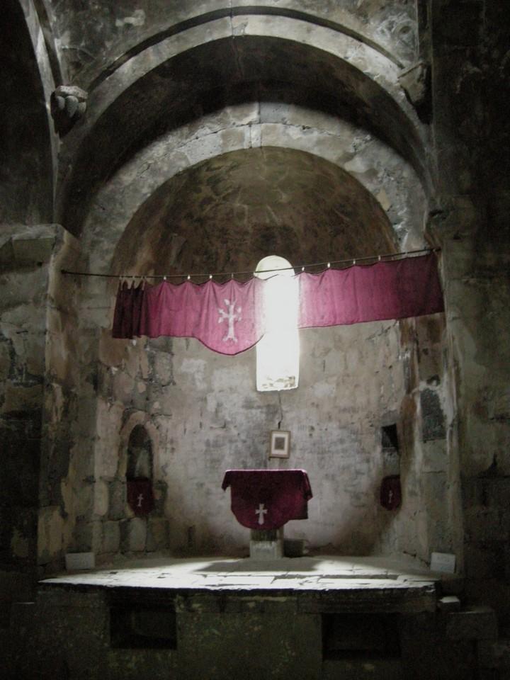 Surp Astvatsatsinin (Pyhän Jumalanäidin kirkko) alttari