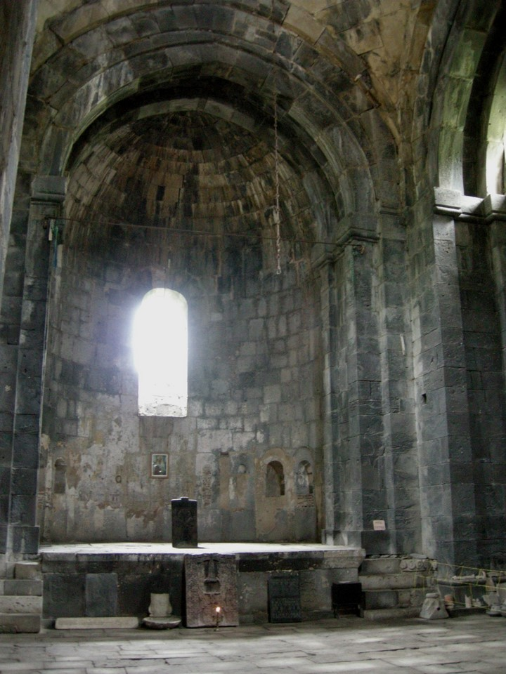 Altar of Surp Amenarpkirch (Holy Redeemer or Holy Saviour Church) (extra photo shows the gavit of the same church)