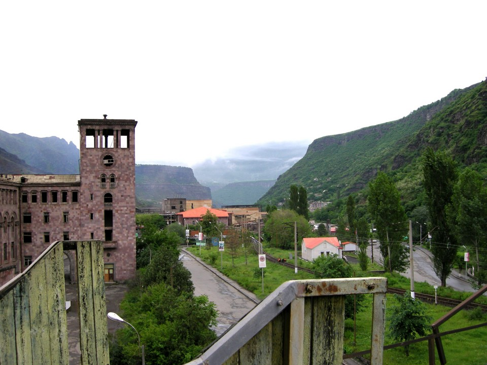 View from Alaverdi cable car station to the town