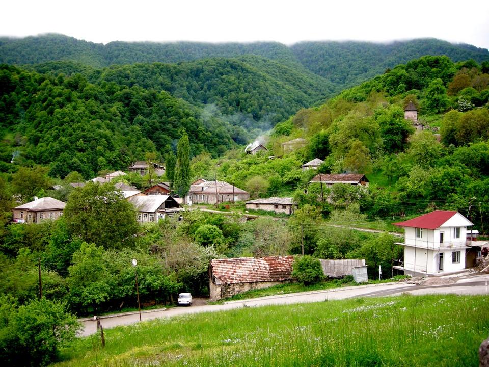 Go¨in kylä Tavu¨in maakunnassa Armeniassa (Gosh, Tavush, Armenia)