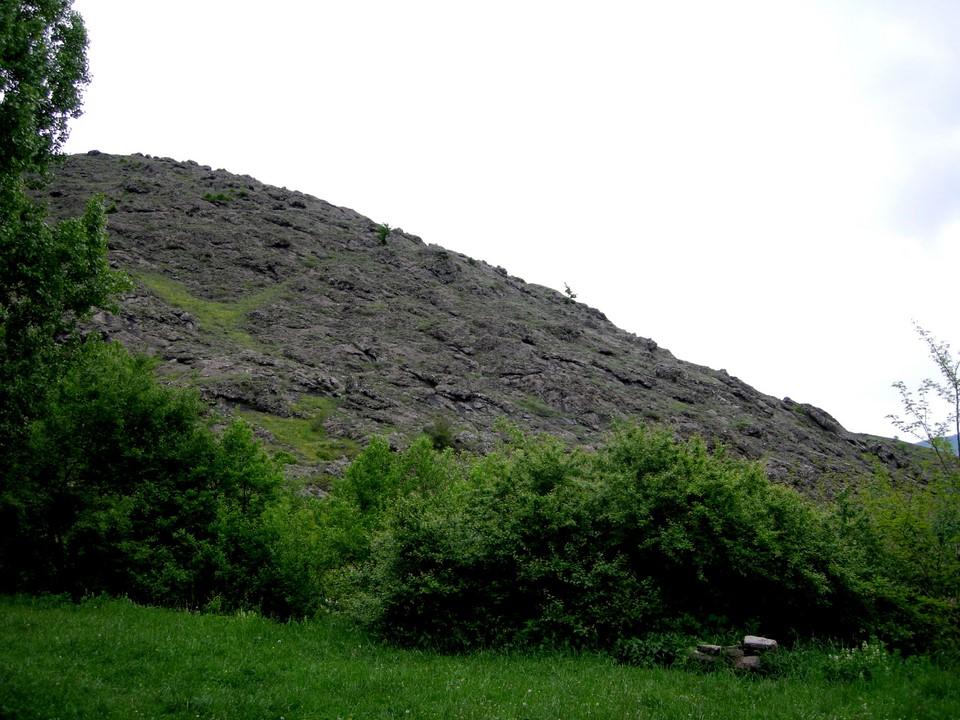 Collines rocheux près du village de Goch