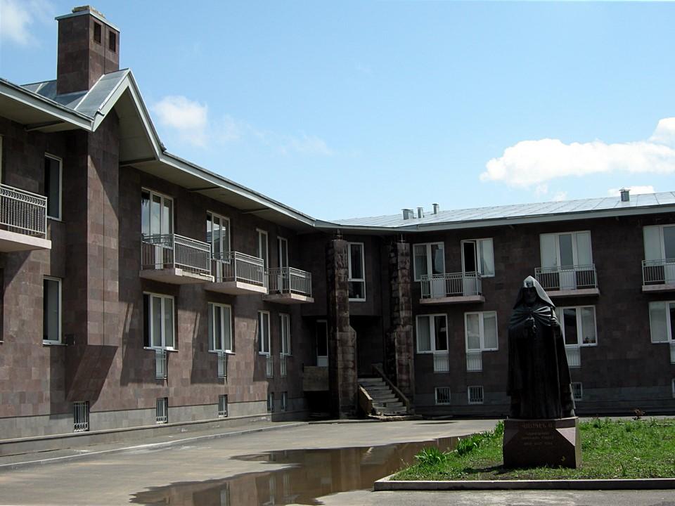 Inner yard of Vaskenian Seminary (Academy)