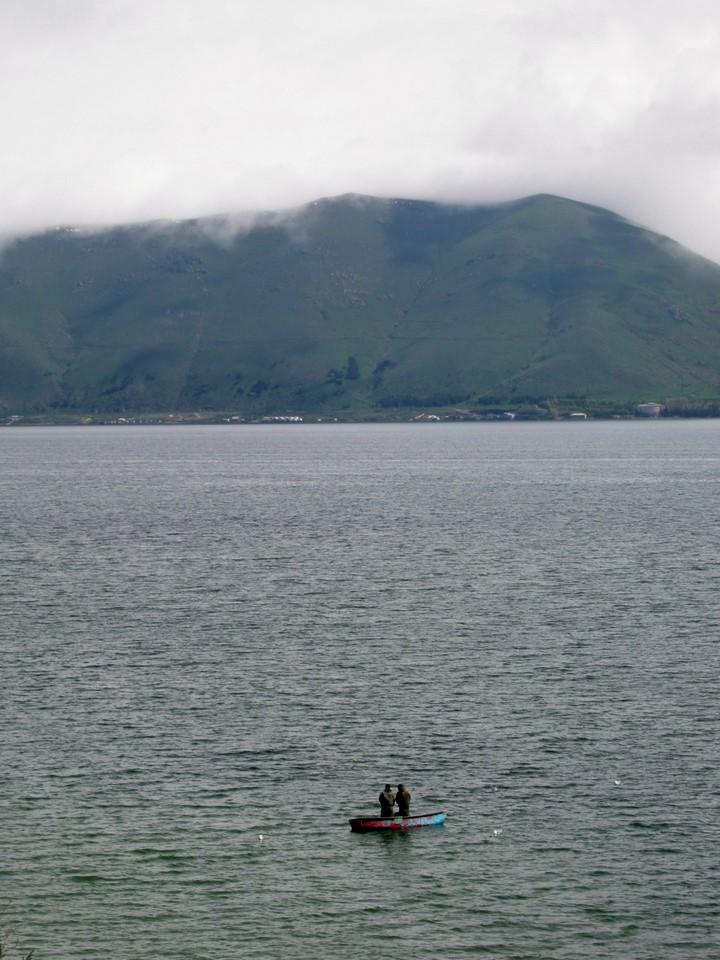 Pêcheurs au lac Sevan