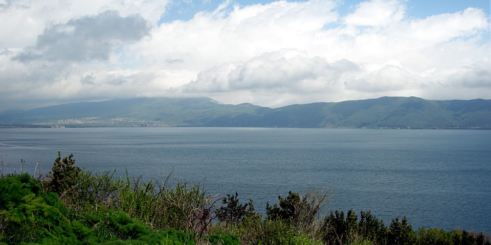Tsovagyugh est un petit bourg au bord du lac Sevan