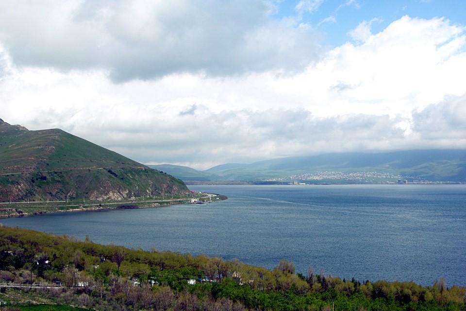 Route principale M4, lac Sevan et Tsovagyugh