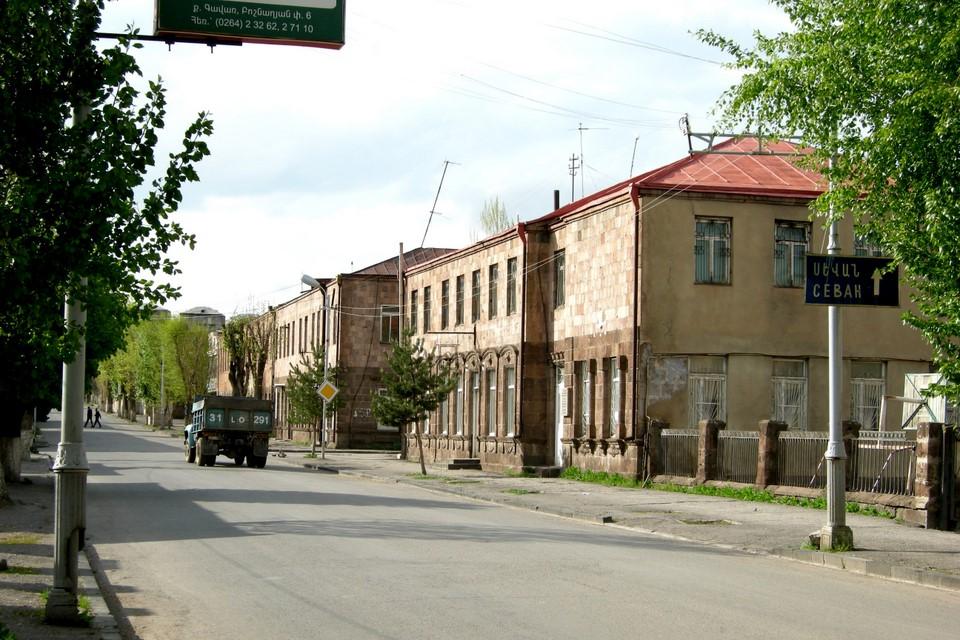 Road to Sevan and a van
