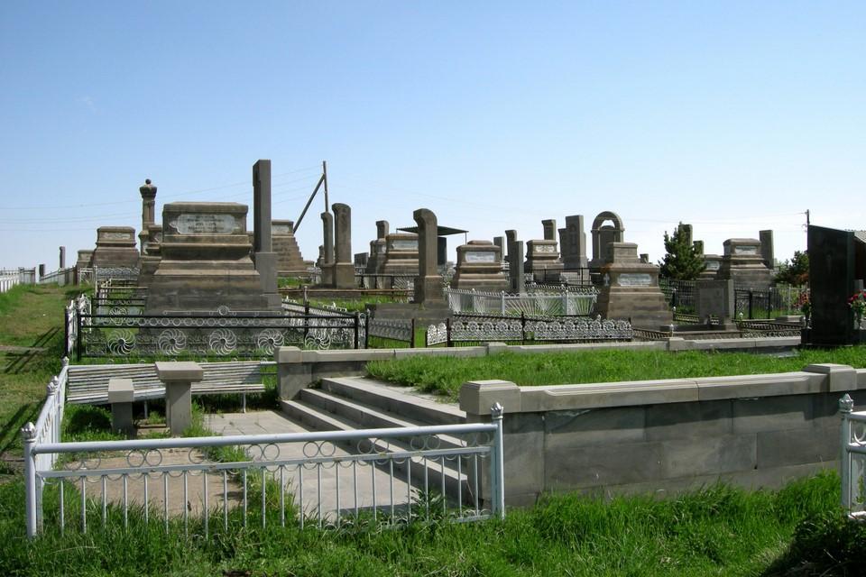New side of the Noraduz cemetery