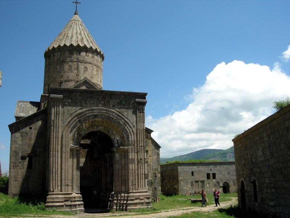 Pyhien Paavalin ja Pietarin kirkko (Surb Poghos-Petros)