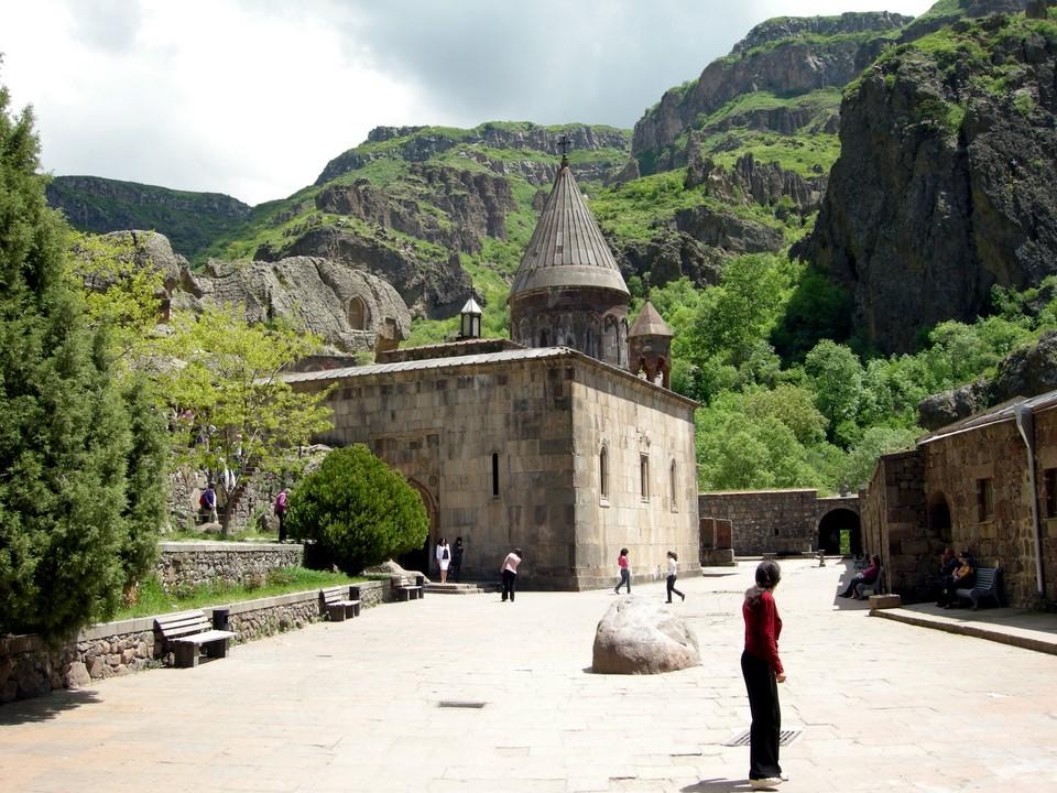 La cour du monastère