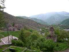 Le monastére est dans le village de Gosh